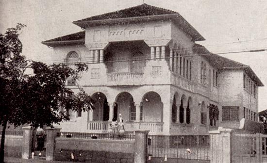 Casa Amarela, sede da primeira Faculdade de Direito de Santos.