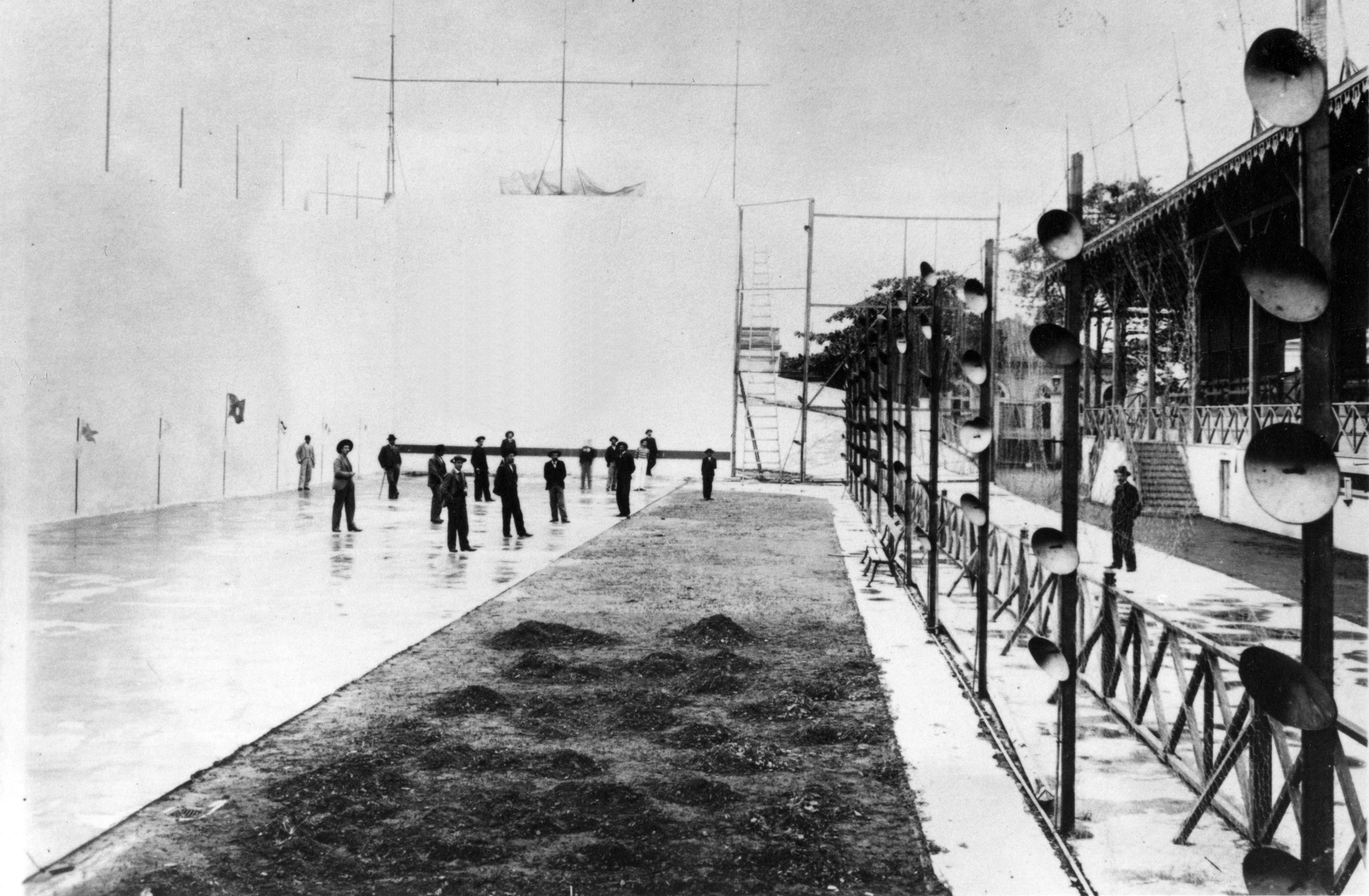 Única foto que se tem conhecimento do Frontão Santista, que ficava na Rua do Rosário, esquina com Rua da Constituição.