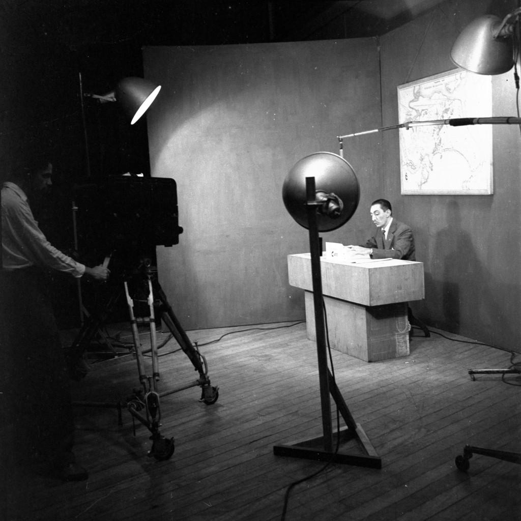 """Foto raríssima (a única que se tem notícia) da extinta TV Santos. Aqui, o Programa """"O Café de Felisberto""""."""