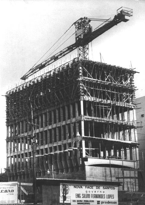 Construção do Edifício Sede da Prodesan, no final dos anos 1960.