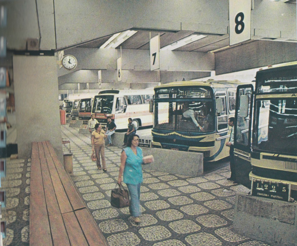 A Prodesan, além de ter comandado a sua construção, em 1969, era também a administradora do Terminal Rodoviário de Santos, até 1993, quando a responsabilidade é transferida para a Secretaria de Turismo.