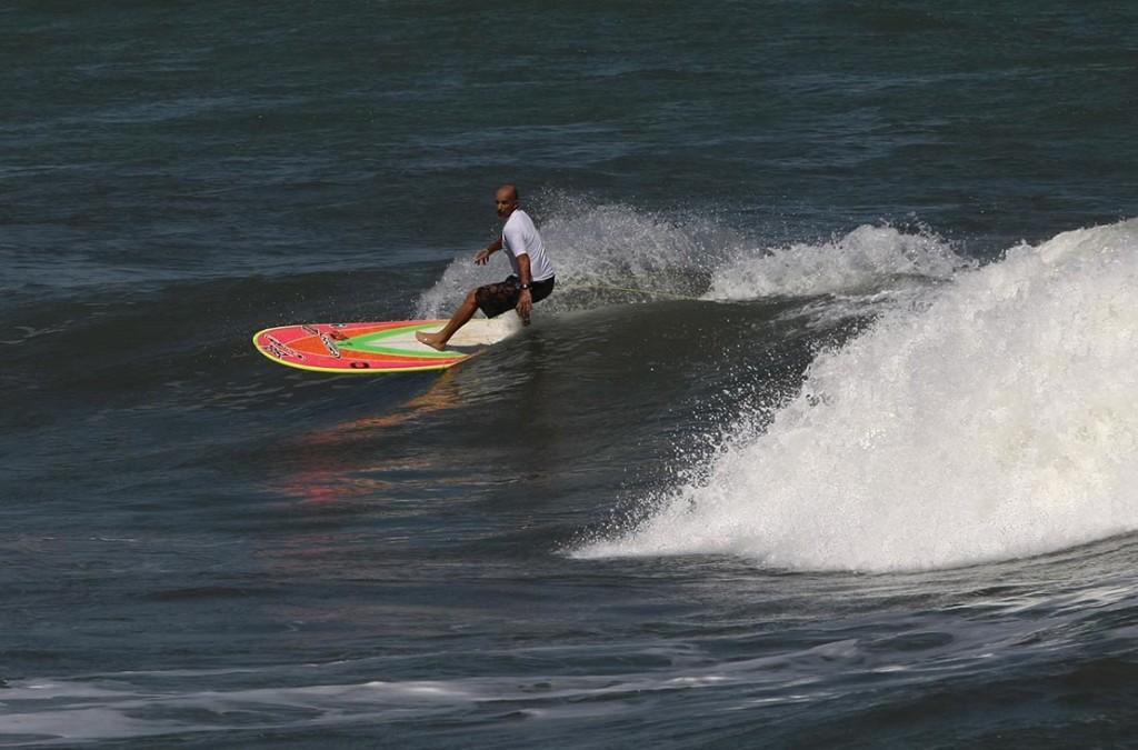Picuruta Salazar, o maior nome santista do surfe de toda a história.