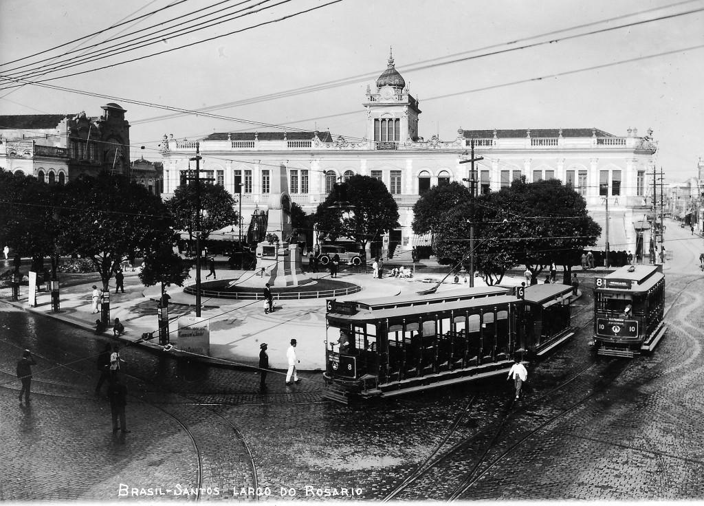 O imponente prédio dos Correios na Praça Ruy Barbosa, em imagem dos anos 1910.