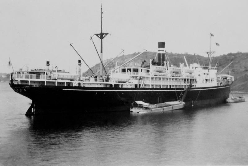 La Plata Maru em Santos.