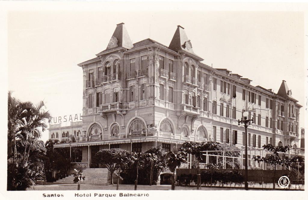 """O Parque Balenário, com seu Cassino (O letreiro """"Kursaal"""", para chamar os tripulantes de navios alemães), na década de 1930."""
