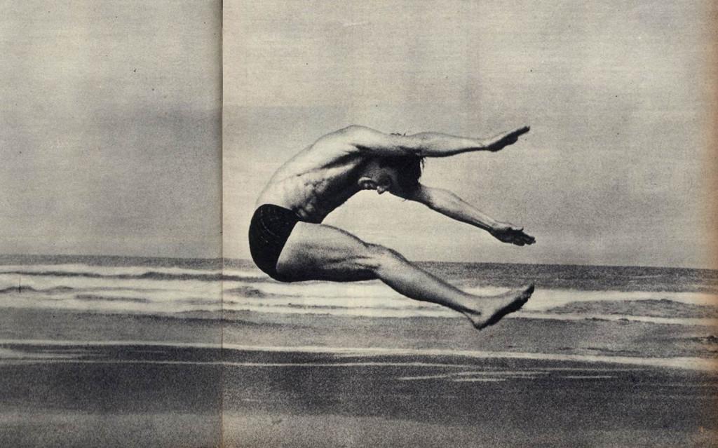 Os saltos acrobáticos dos bailarinos do Beriozka impressionaram os presentes.
