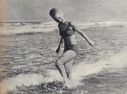 "As bailarinas adoraram ""chapinhar"" nas águas santistas."