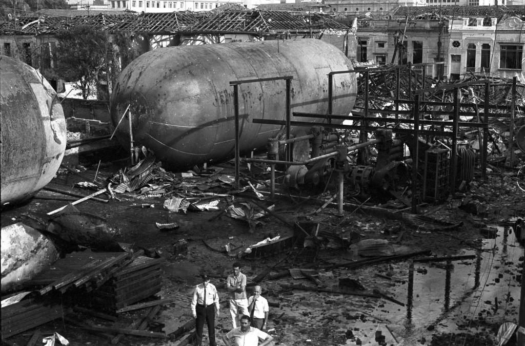 A tragédia só não tomou dimensões catastróficas porque apenas um, dos cinco tambores, explodiu.