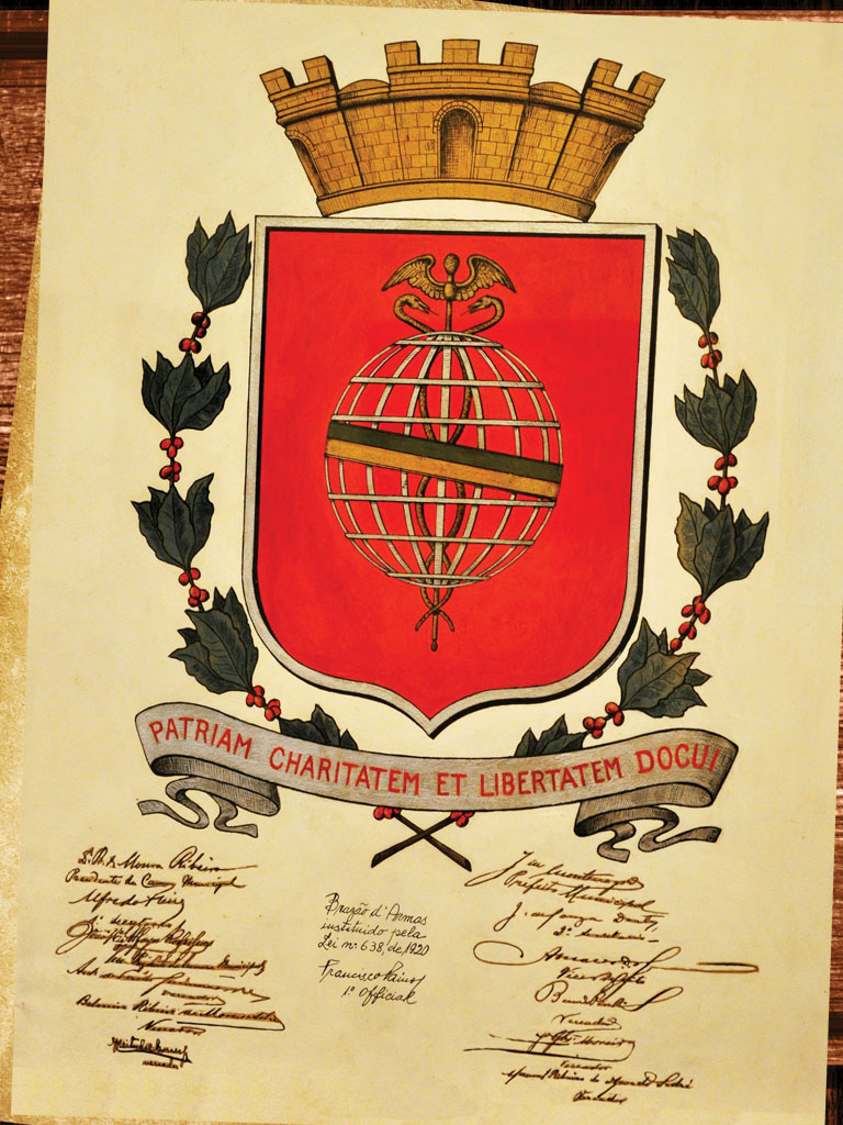 O Brasão de Armas de Santos produzido por Benedicto Calixto em 1920.