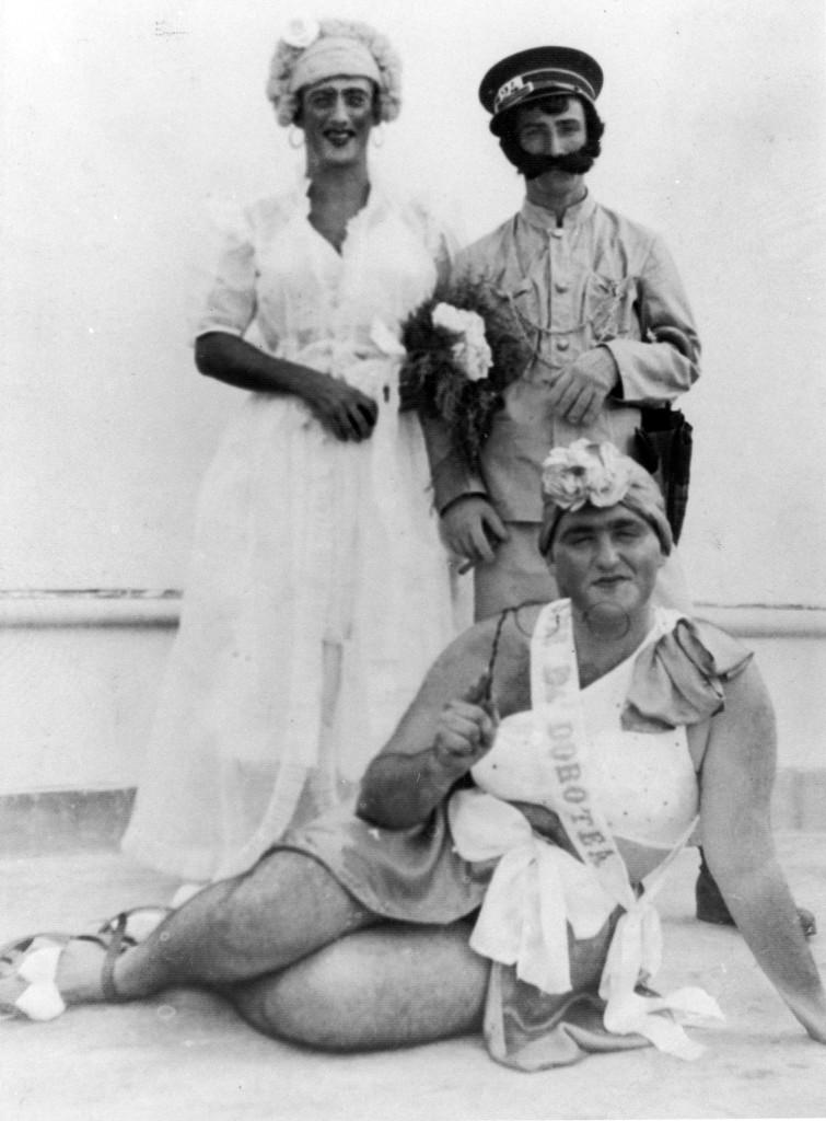Waldermar Esteves da Cunha, encarnando a Dona Dorotea no final dos anos 1940.