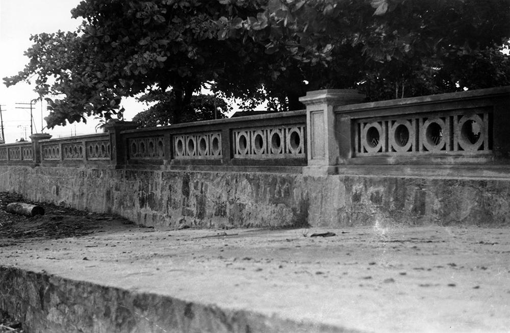 A balaustrada da Ponta da Praia, logo após o término da obra.