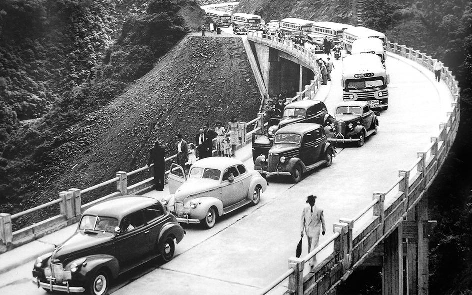 Comboio da inauguração da Pista Norte da Via Anchieta, em 1947.