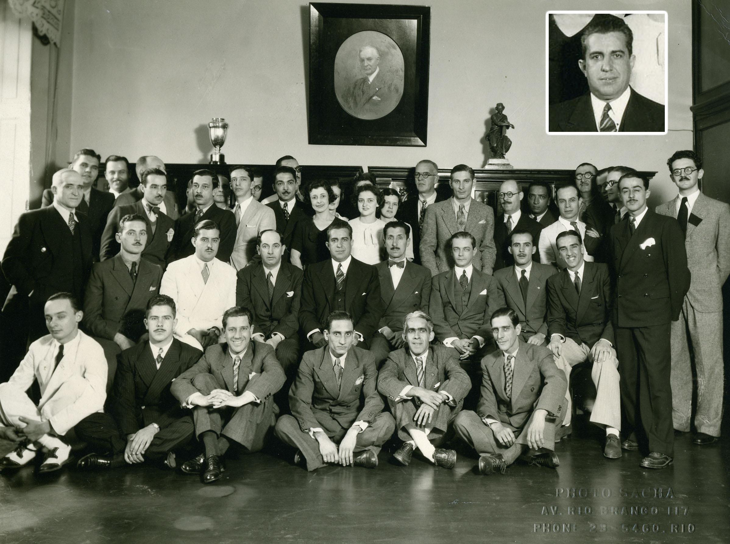 Valentim Bouças (em destaque no alto) na sede da IBM com sua equipe de trabalho.