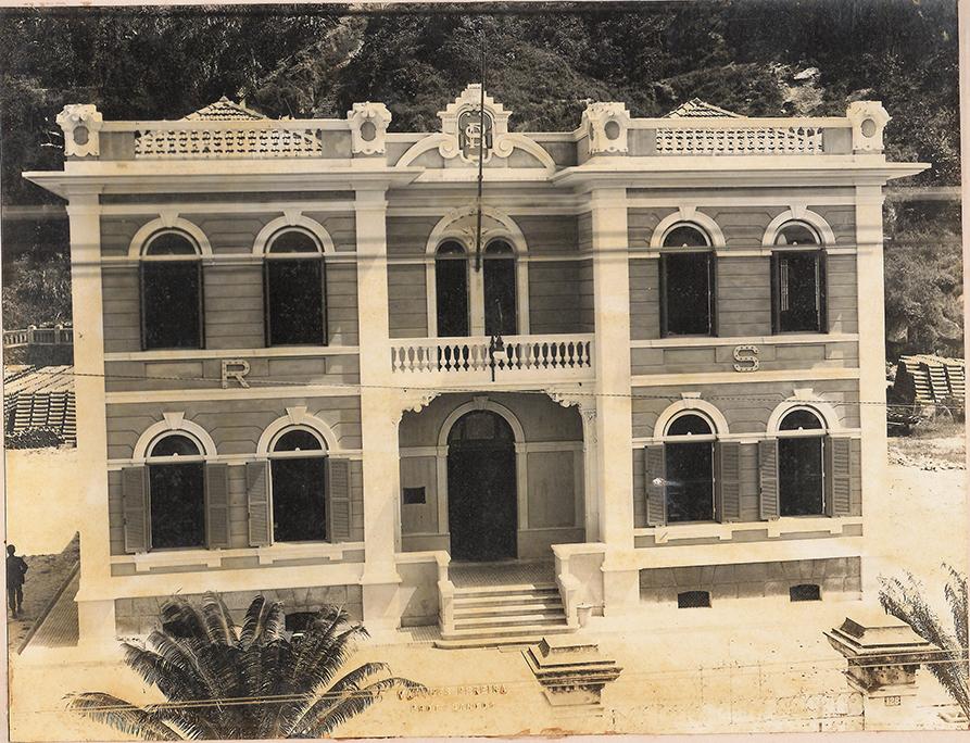O prédio da Repartição de Saneamento em 1919, logo após a primeira ampliação.
