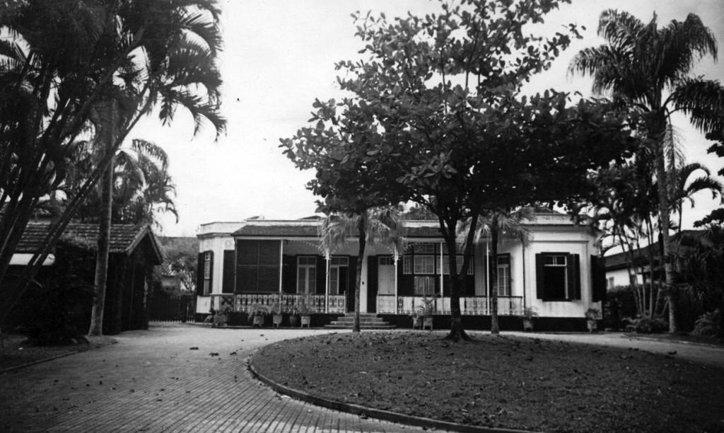 Primeira sede própria da Associação de Engenheiros foi a antiga residência de Bernardo Browne, na avenida Vicente de Carvalho, 36 (onde hoje está o edifício Belmar)