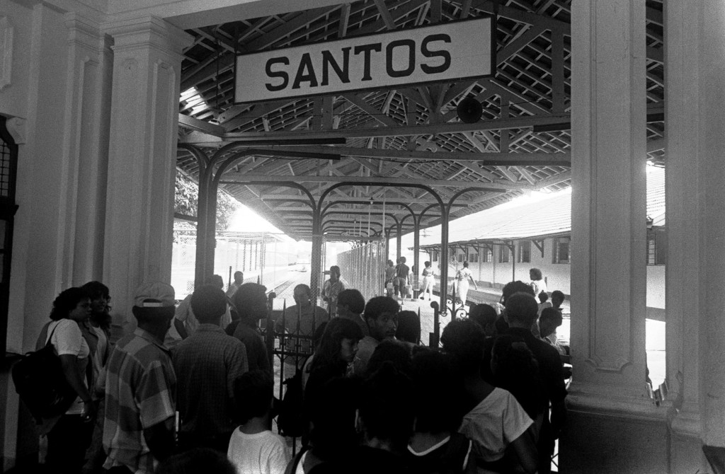 Interior da Estação Ana Costa, nos anos 1990.