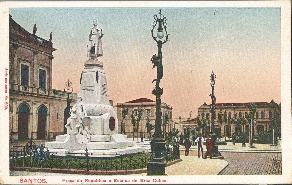 Estátua de Braz Cubas nos anos 1920.