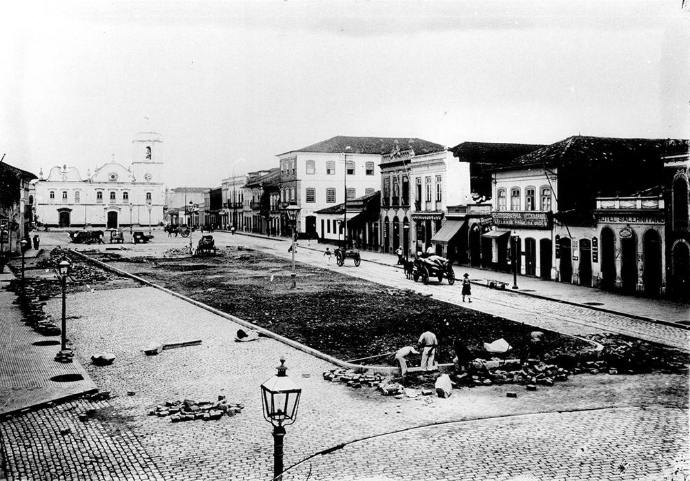 Projeto de remodelação do Largo da Matriz previa a demolição da velha igreja.