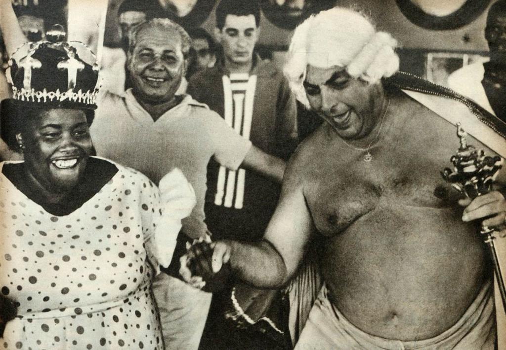 """Na Ilha das Palmas, na ausência de Hilda de Oliveira, uma """"rainha"""" de peso se encarregou de recepcionar suas majestades."""