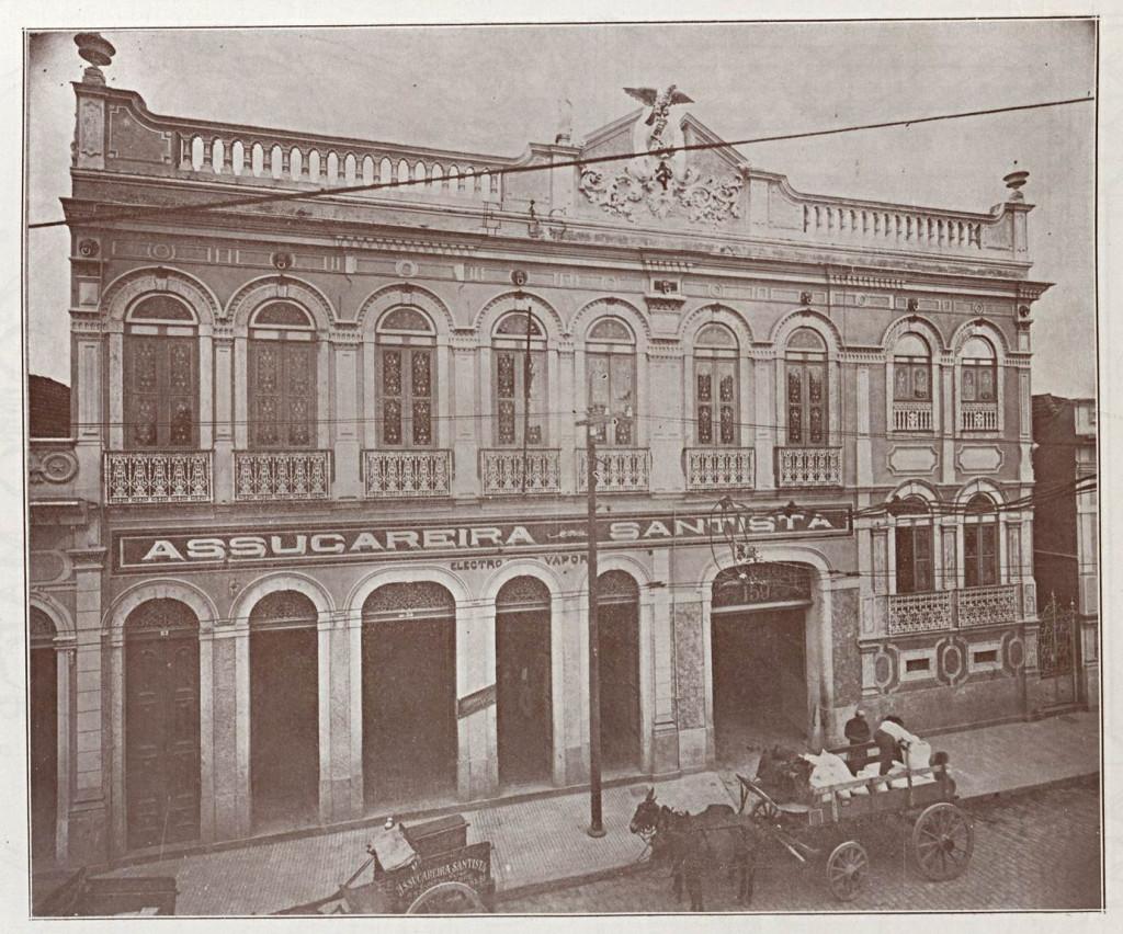 Fachada da Assucareira Santista na rua Conselheiro Nébias. Empresa era referência no mercado de açúcar.
