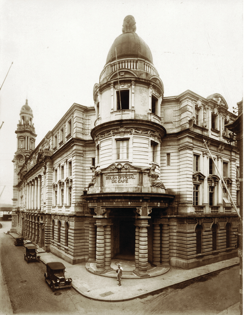 Prédio da Bolsa, na década de 1920.