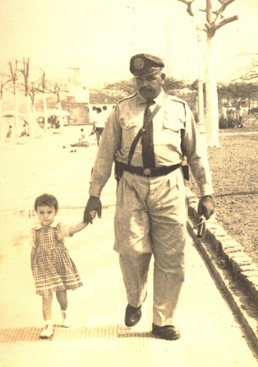 """O guarda """"Bigode"""" era amado pelas crianças. O super-herói da garotada."""